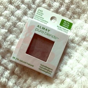 ALMAY pure blends eyeshadow.